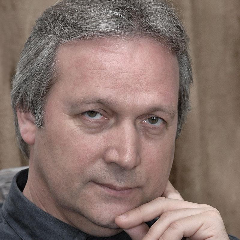 Dr. Freund Tamás